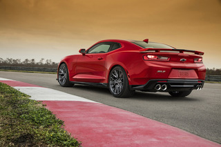 2017 Chevrolet Camaro ZL1 Comes Out Swinging With 640HP