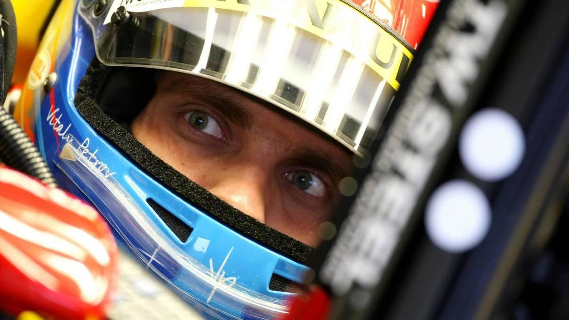 Petrov to race Renault-powered Lotus in 2011? - report