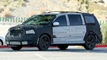 More Chrysler Voyager Spy Photos