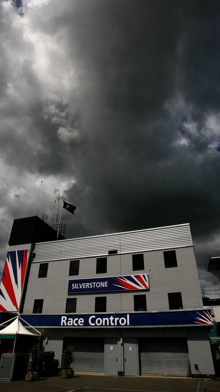 Dark clouds over the circuit, British Grand Prix, 03.07.2008 Silverstone, England
