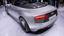 Audi e-Tron Spyder concept live in Paris 30.09.2010
