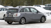 2015 Mercedes B-Class spy photo