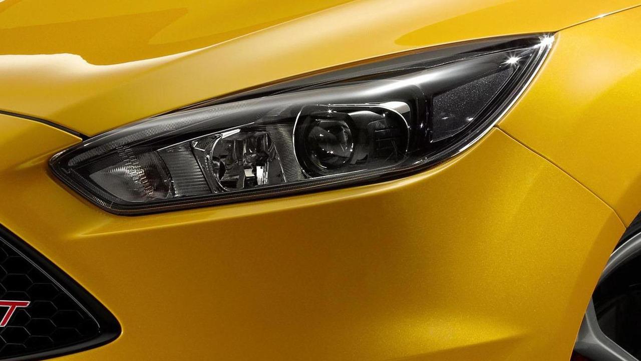 Ford Focus ST facelift teaser image
