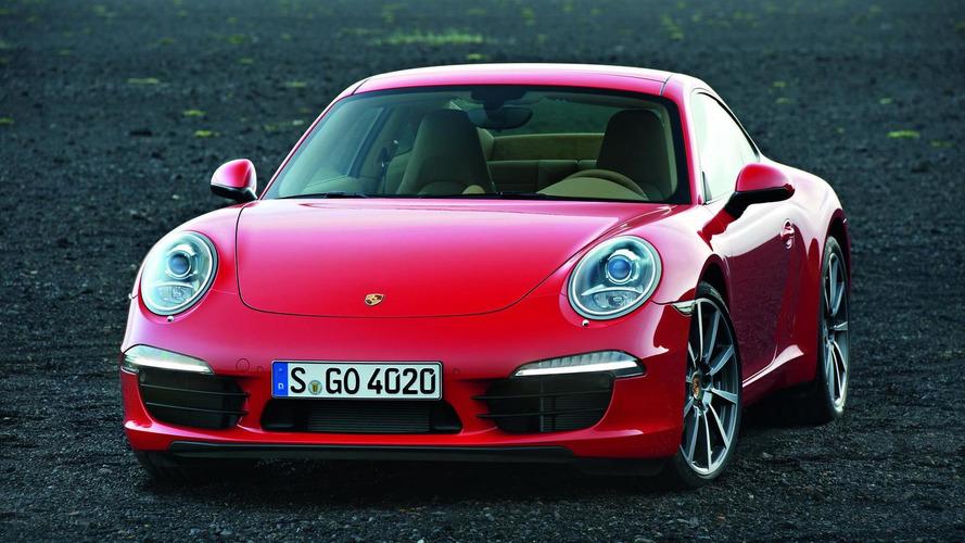 Filming the new Porsche 911 at speed around Laguna Seca [video]