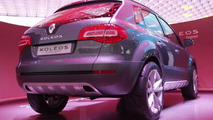 Renault Koleos Concept Unveiled at Paris