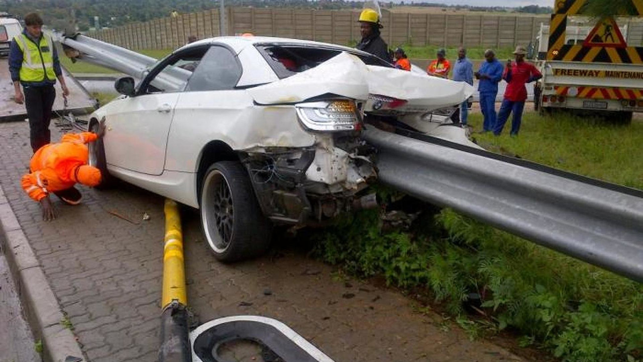 BMW 335i rear ended in Johannesburg