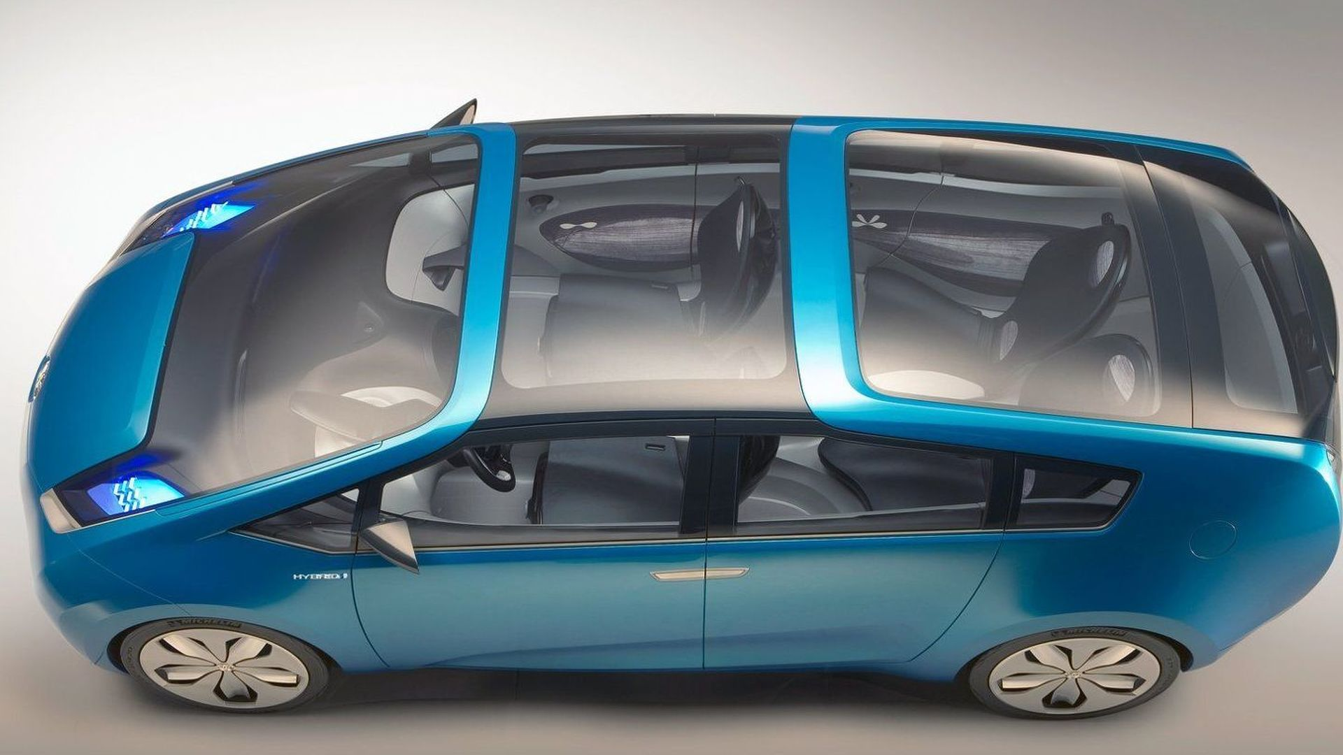 Toyota Prius minivan set for 2011 arrival - report
