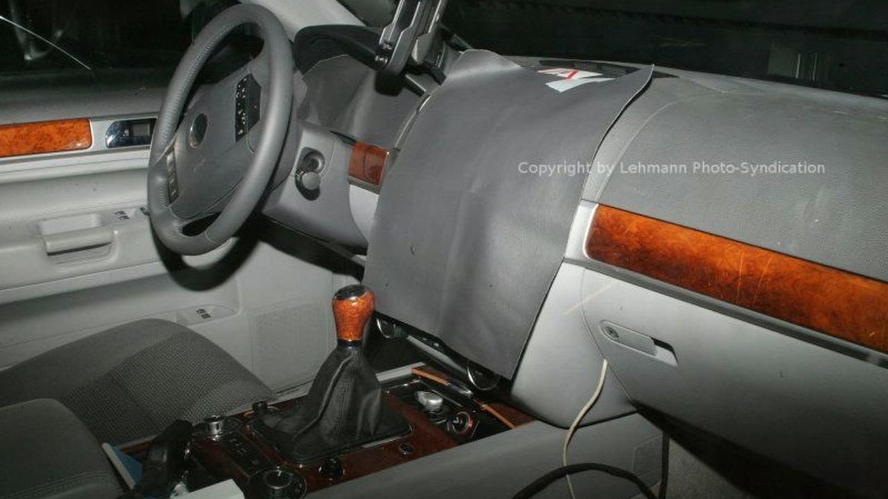 VW Touareg Major Facelift Spy Photos