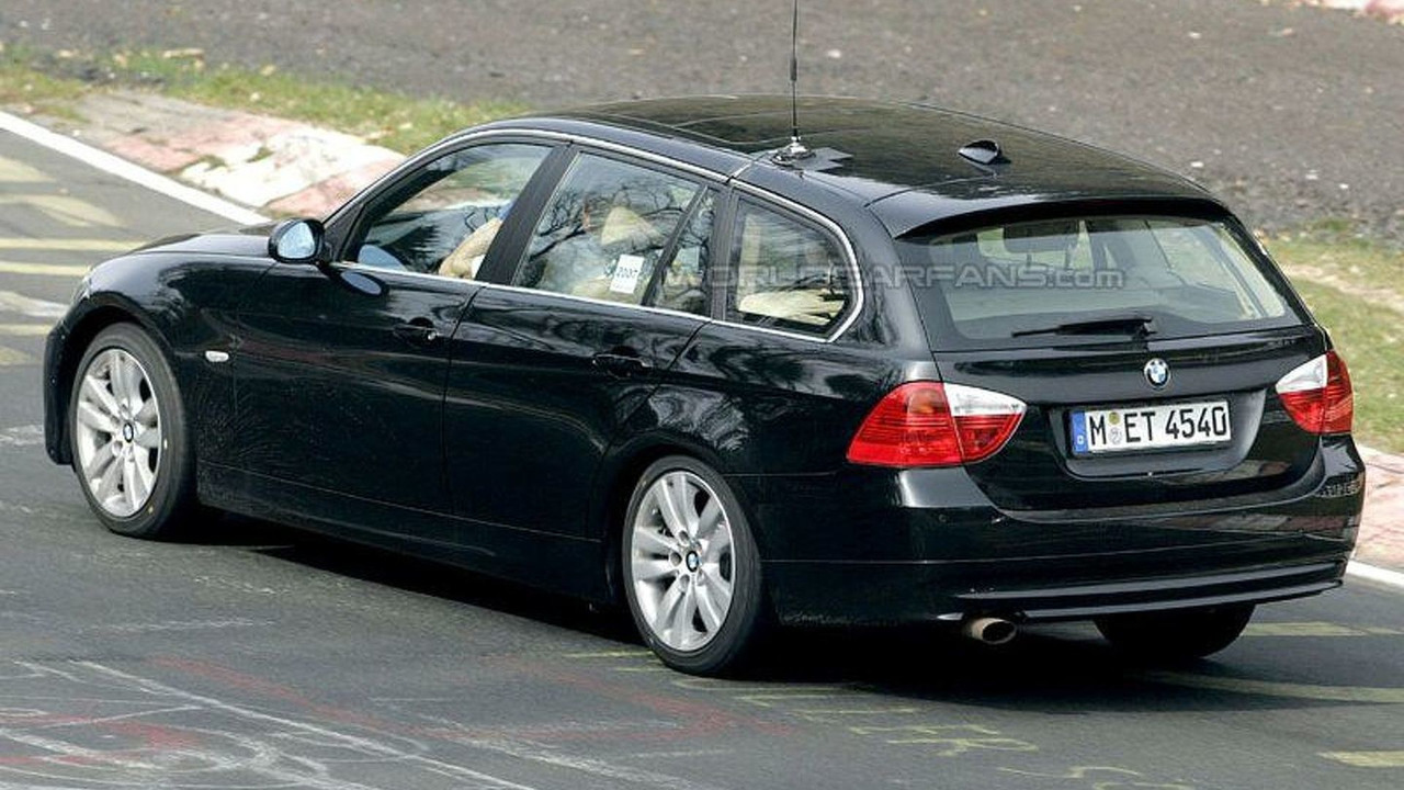 SPY PHOTOS: BMW 3-Series Facelift