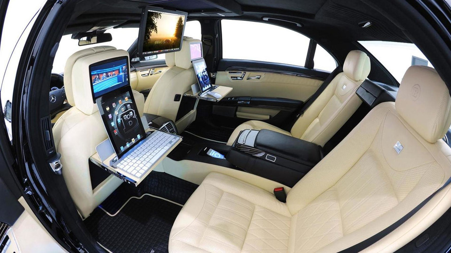 Brabus 800 iBusiness 2.0 - Apple gadget binge at 219 mph