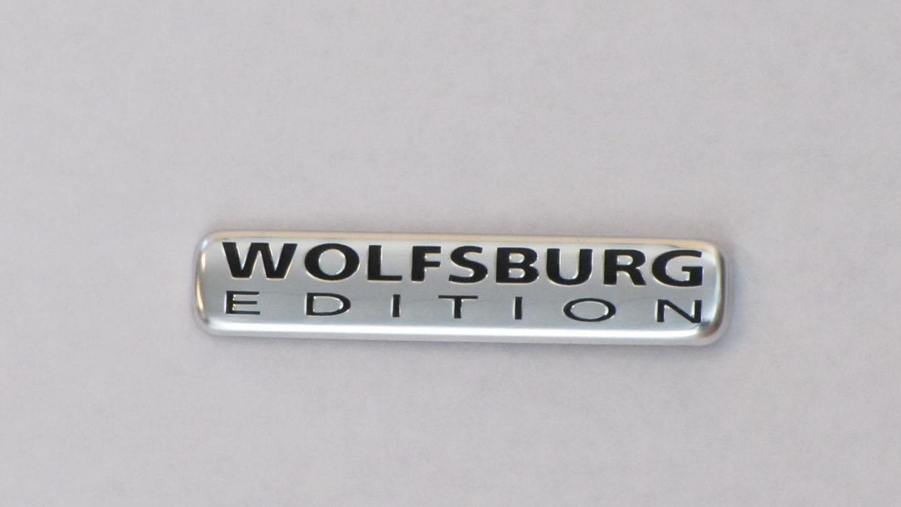 2013 Volkswagen Passat Wolfsburg Edition logo 23.4.2013