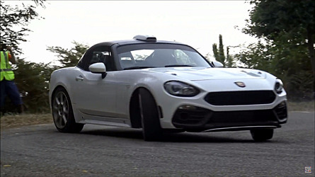Abarth 124 R-GT rally car does not disappoint in action