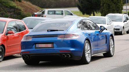 2017 Porsche Panamera spy photos