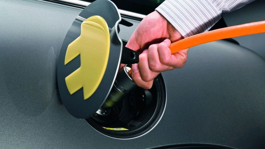 MINI E electric car glitch results in 23 hour recharge time