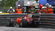 Alonso crashes Ferrari in final practice