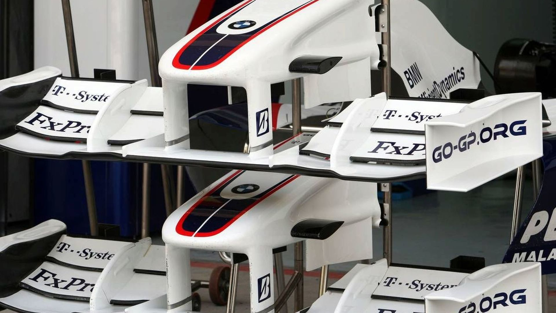 Sauber says second 2010 race seat 'open'