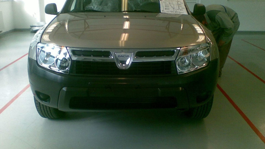 New Dacia SUV spied uncovered
