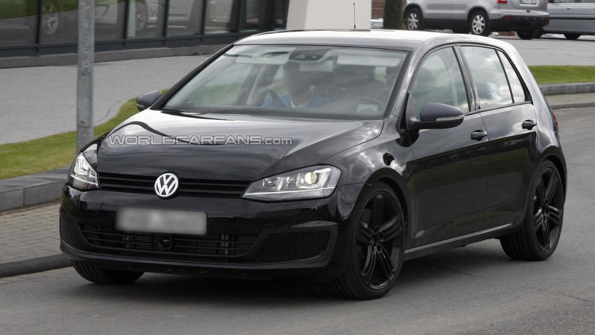 Volkswagen Golf VII R spied without camo