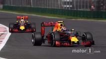 Max Verstappen, Red Bull Racing RB12, Daniel Ricciardo, Red Bull Racing RB12
