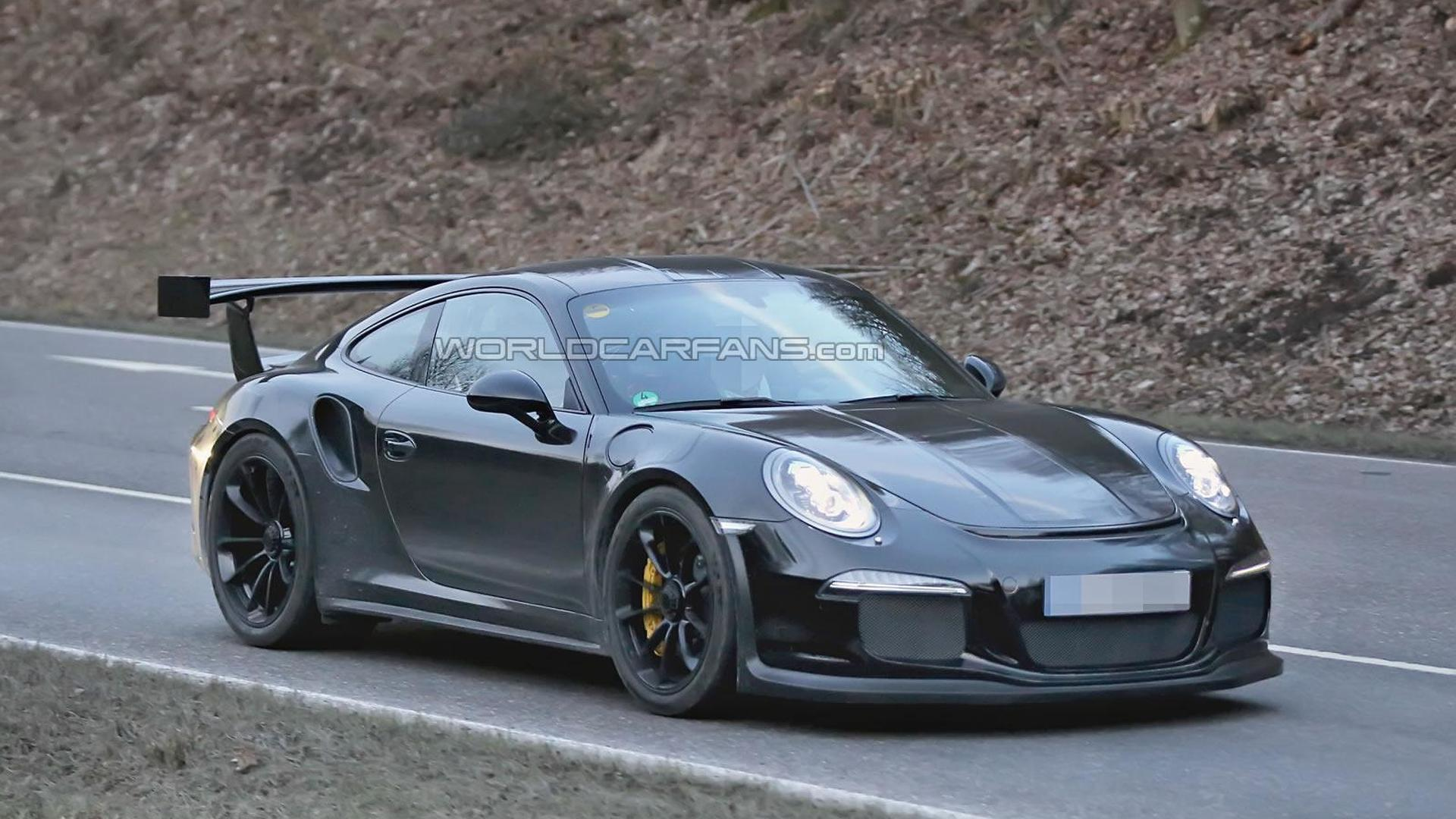 2015 Porsche 911 GT3 RS spied for first time