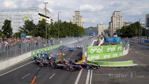 Start: Jean-Eric Vergne, DS Virgin Racing leads