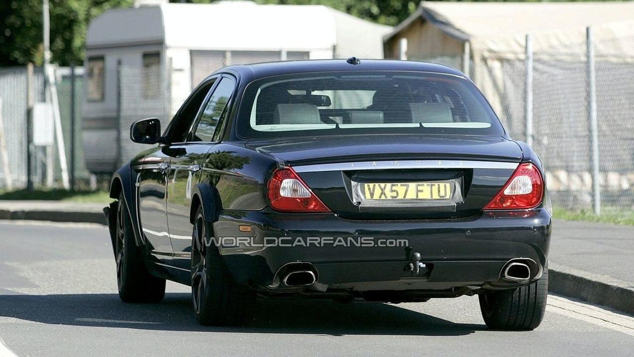 Next Jaguar XJ mule prototype