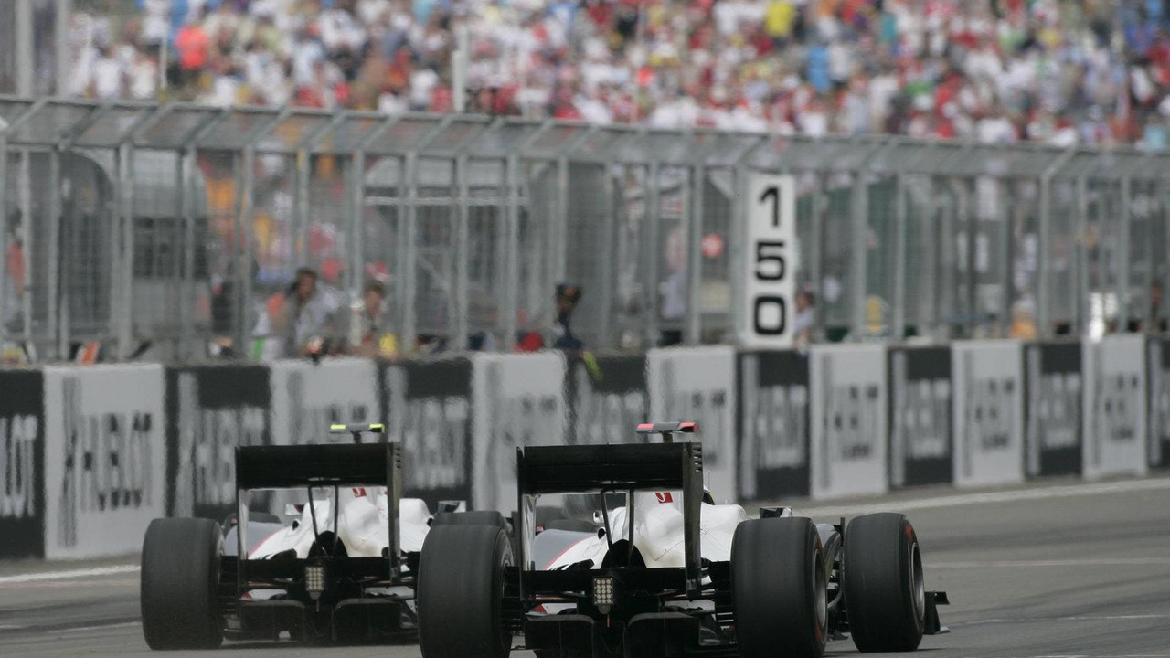 Kamui Kobayashi (JPN) and Pedro de la Rosa (ESP), BMW Sauber F1 Team, Turkish Grand Prix, 30.05.2010 Istanbul, Turkey