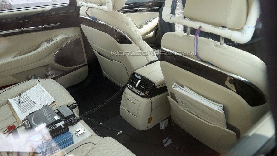 2017 Hyundai Equus spied with a ultra-luxurious interior