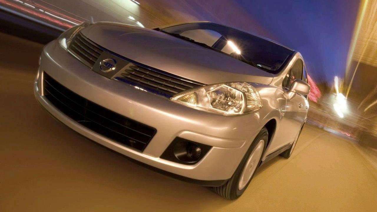 2006 Nissan Versa sedan