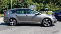Volkswagen Golf Variant GTD spy photo