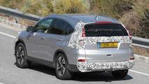 Honda CR-V facelift spied testing in Europe