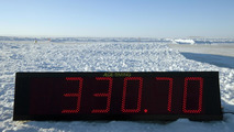 Bentley Continental Supersports sets world speed record on ice