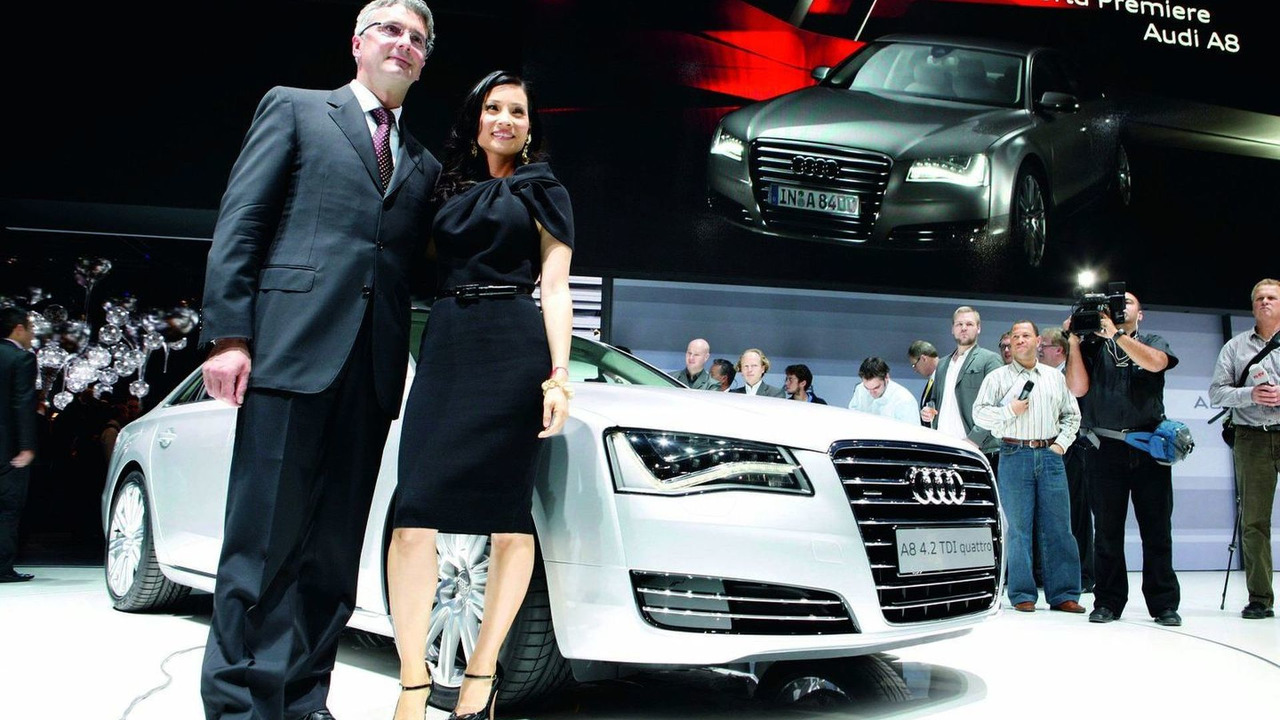 2011 Audi A8 world premiere in Miami, Rupert Stadler, Chairman of AUDI AG, and actress Lucy Liu 01.12.2009