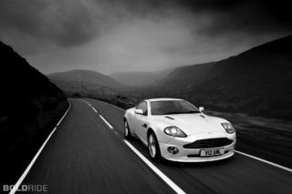 Aston Martin Vanquish S V12