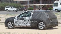 2012 VW Golf VII first full-body prototype spy photos 20.08.2011