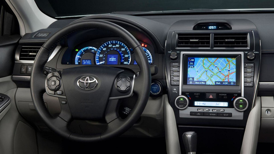2013 Toyota Camry gains upgraded interior, new equipment