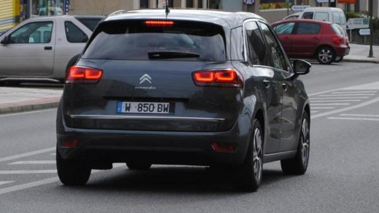 2013 citroen c4 picasso spy photo photo. Black Bedroom Furniture Sets. Home Design Ideas
