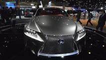 Lexus LF-CC concept live in LA Auto Show 29.11.2012