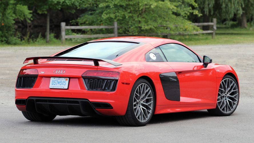 how to drive an audi r8