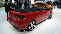 Volkswagen Golf GTI Cabriolet live in Geneva 06.03.2012