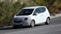2014 Opel Meriva spied with a new front fascia
