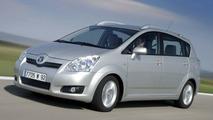 Toyota Corolla Verso Facelift Revealed