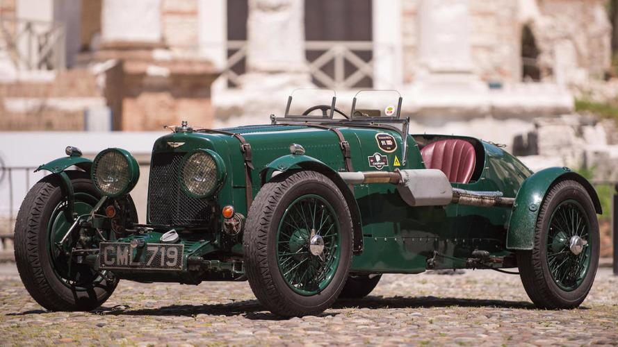 Bonhams - Deux millions d'euros pour une Aston Martin à Paris