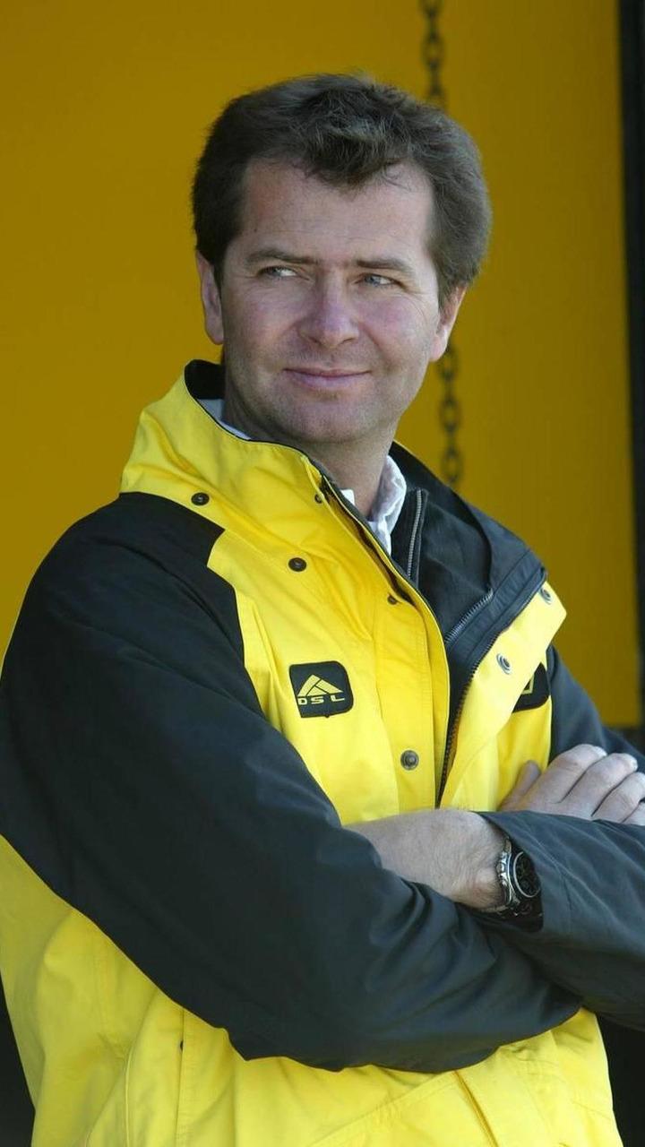 Trevor Carlin, GBR, Jordan Team Principal - April, F1 testing, 27.04.2005 Silverstone, England