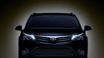 Toyota Avensis teased for Frankfurt debut