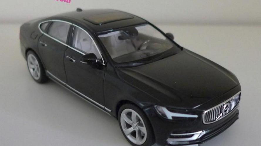 Volvo S90 scale model is back in black