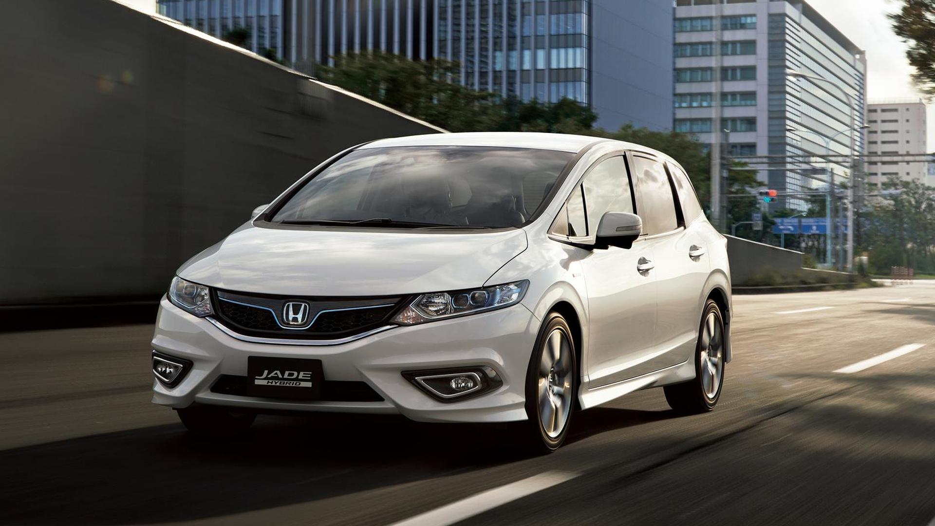Honda Jade Hybrid introduced in Japan, goes on sale in February