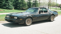 Pontiac Trans Am Smokey and the Bandit previously owned by Burt Reynolds auctioned for $480,000