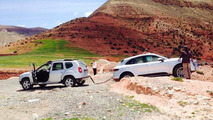 Porsche Macan gets stuck during press event in Morocco, Dacia Duster comes to the rescue