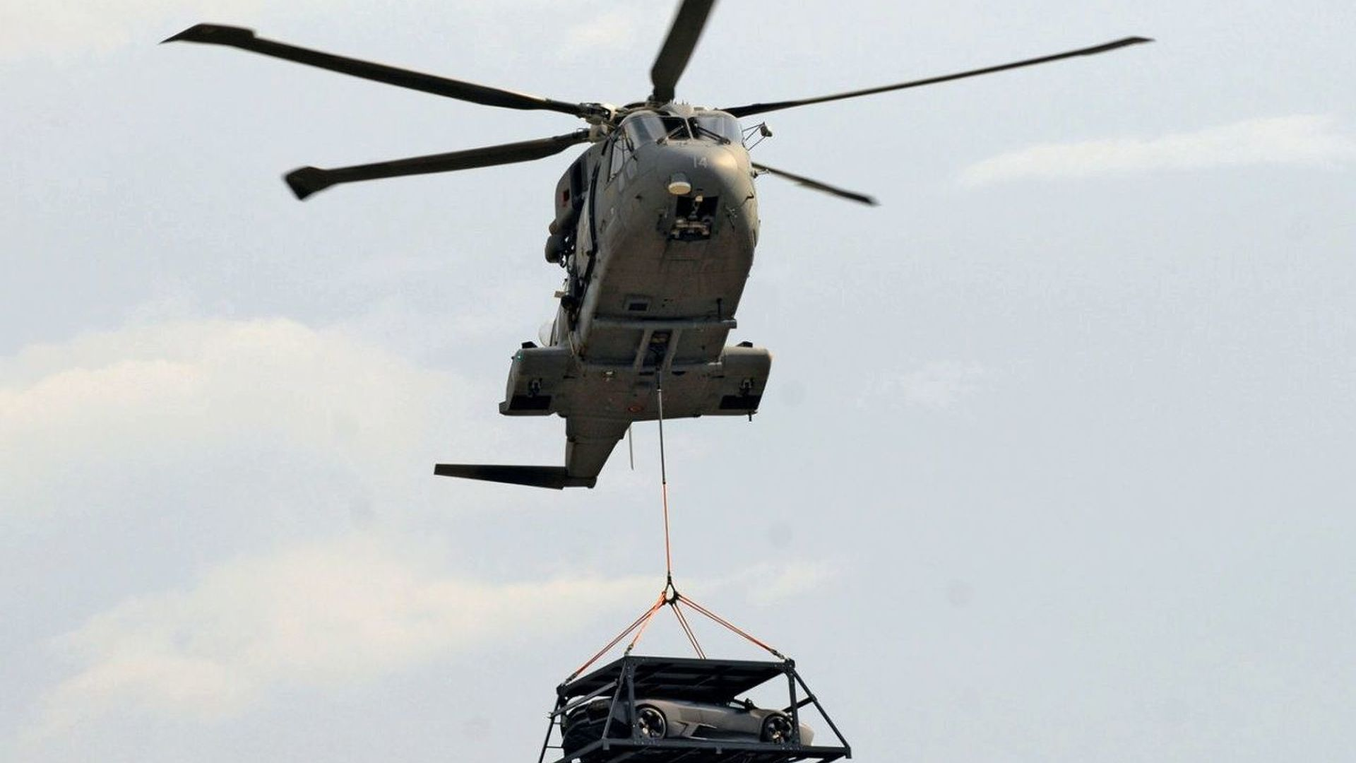 Lambo Reventon Flies Over Turin by Military Helicopter